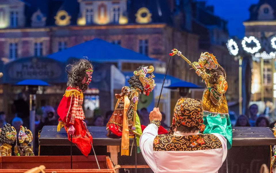 IDF – S21-086 – Le festival mondial des marionnettes de Charleville-Mézières